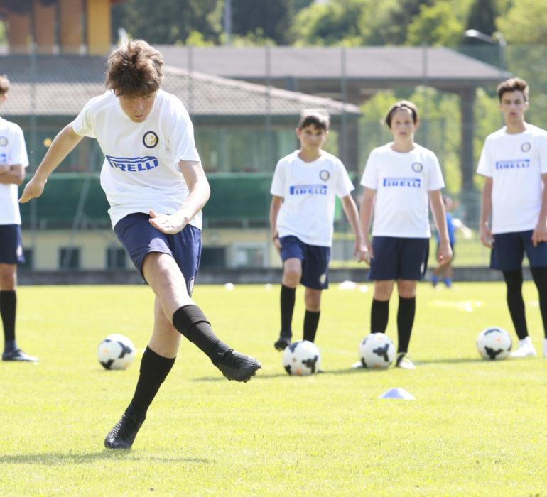 Allenamento estivo del ragazzi di Inter Summer Camp