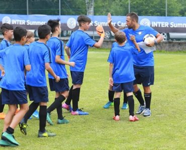 Camp di calcio con allenamenti con lo staff Inter
