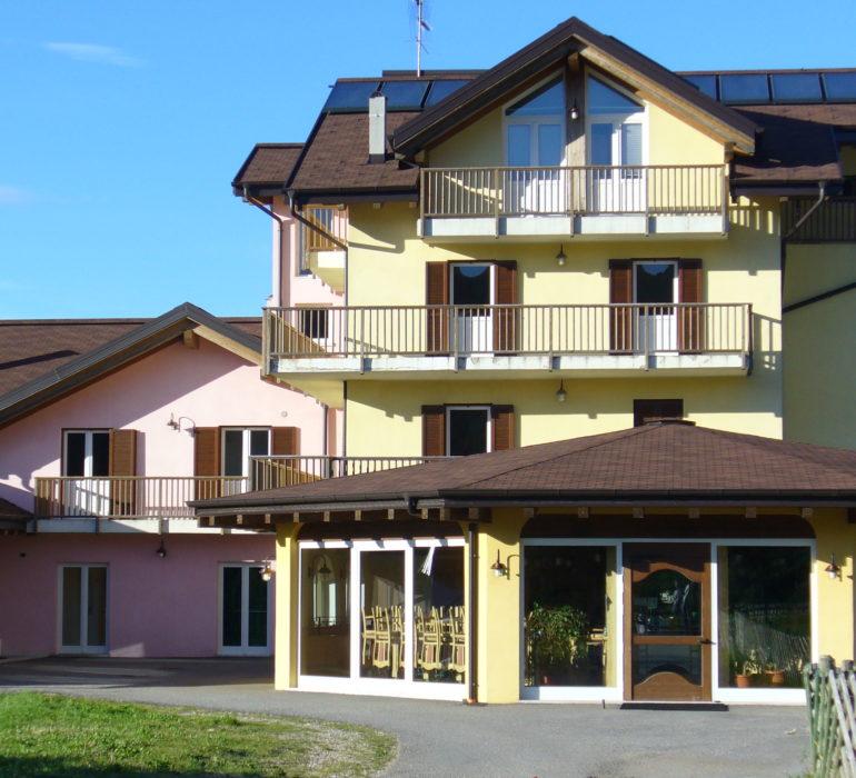 L'hotel Bellavista che ospiterà i partecipanti dell'inter summer camp del trentino