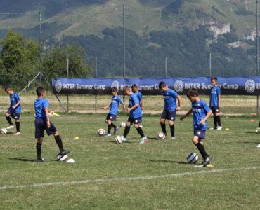 Allenamento dei ragazzi durante gli Inter Summer Camp in Trentino