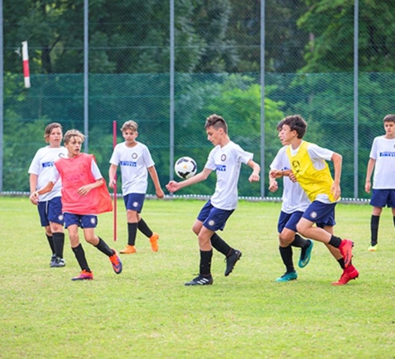 I ragazzi di Inter Summer Camp durante la partita